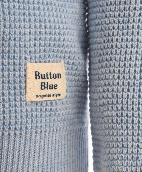 Голубой джемпер