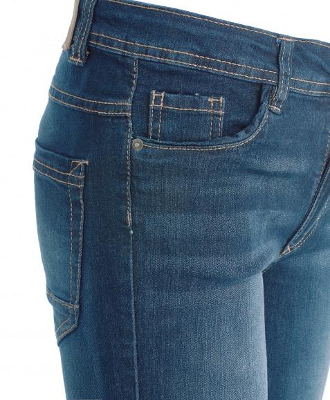 Синие джинсовые шорты