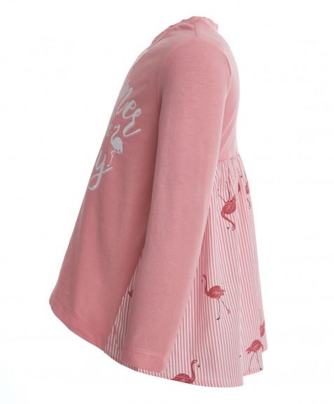 Розовая футболка с декором
