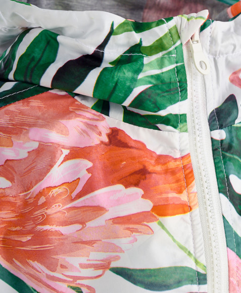 Белая ветровка с орнаментом Фламинго