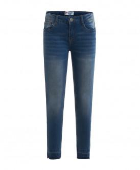 Голубые джинсы слим с потертостями