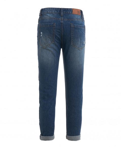 Голубые джинсы с нашивками