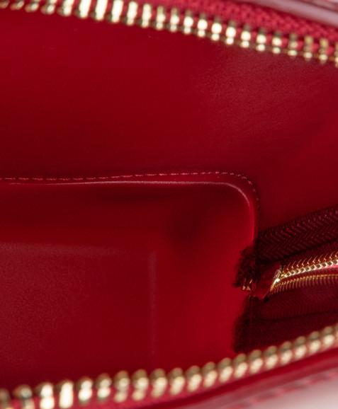 Красный лакированный рюкзак