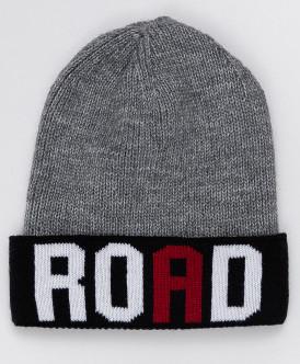 Принтованная серая вязаная шапка