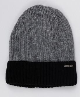 Черно-серая вязаная шапка