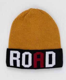 Принтованная шапка горчичного цвета с завязками