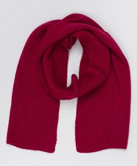 Розовый вязаный шарф