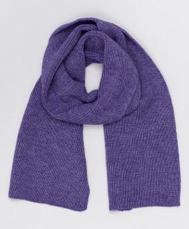 Сиреневый вязаный шарф