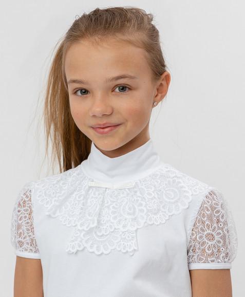 Белая блузка с кружевом